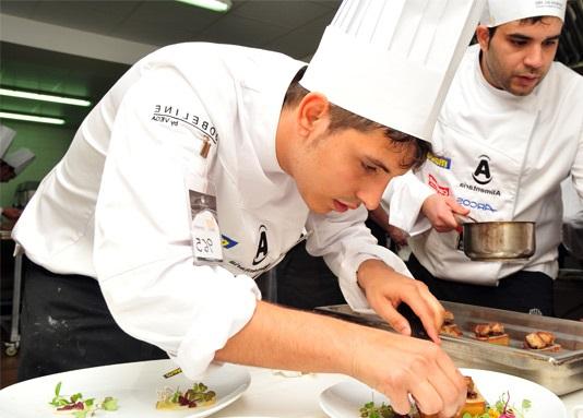 gorros de cocina desechables en concurso de cocina