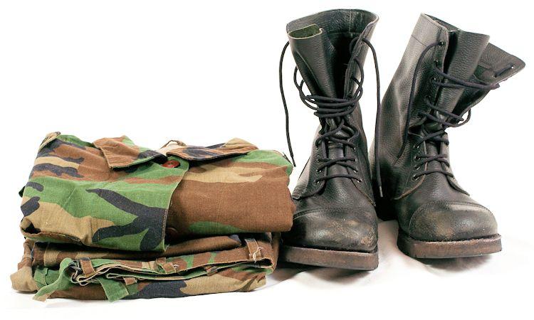 Uniformes y ropa militar
