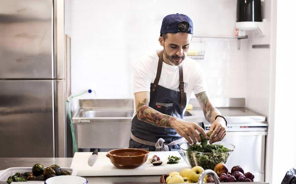 chef de los niños con delantal de cocinero moderno